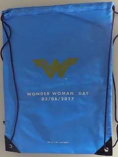 Copertina WONDER WOMAN OMAGGI n.6 - Zainetto Azzurro, RW LION